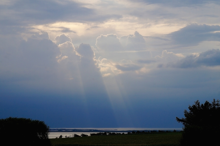 Dag 2: eind van de middag, wolken pakken zich samen boven Krik Vig