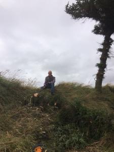 Jacob hakt zijn eerste boom om