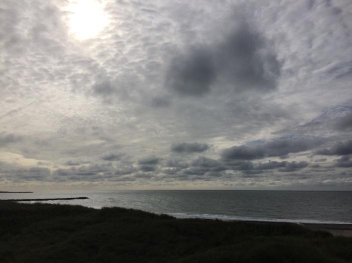 wolken boven de zee bij Agger Tange