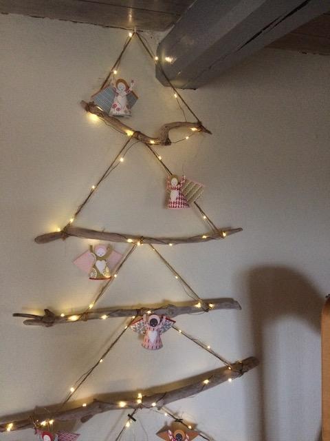 alternatieve kerstboom, kerstboom van drijfhout